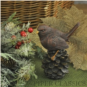 Country Home Decor: Cardinal on Pinecone