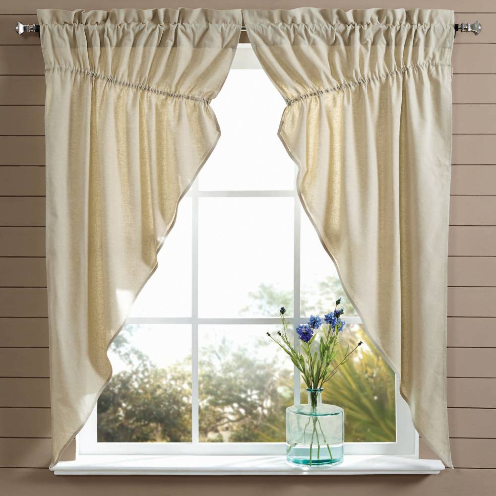 Country curtains are a simple and effective way to get an instant farmhouse vibe.