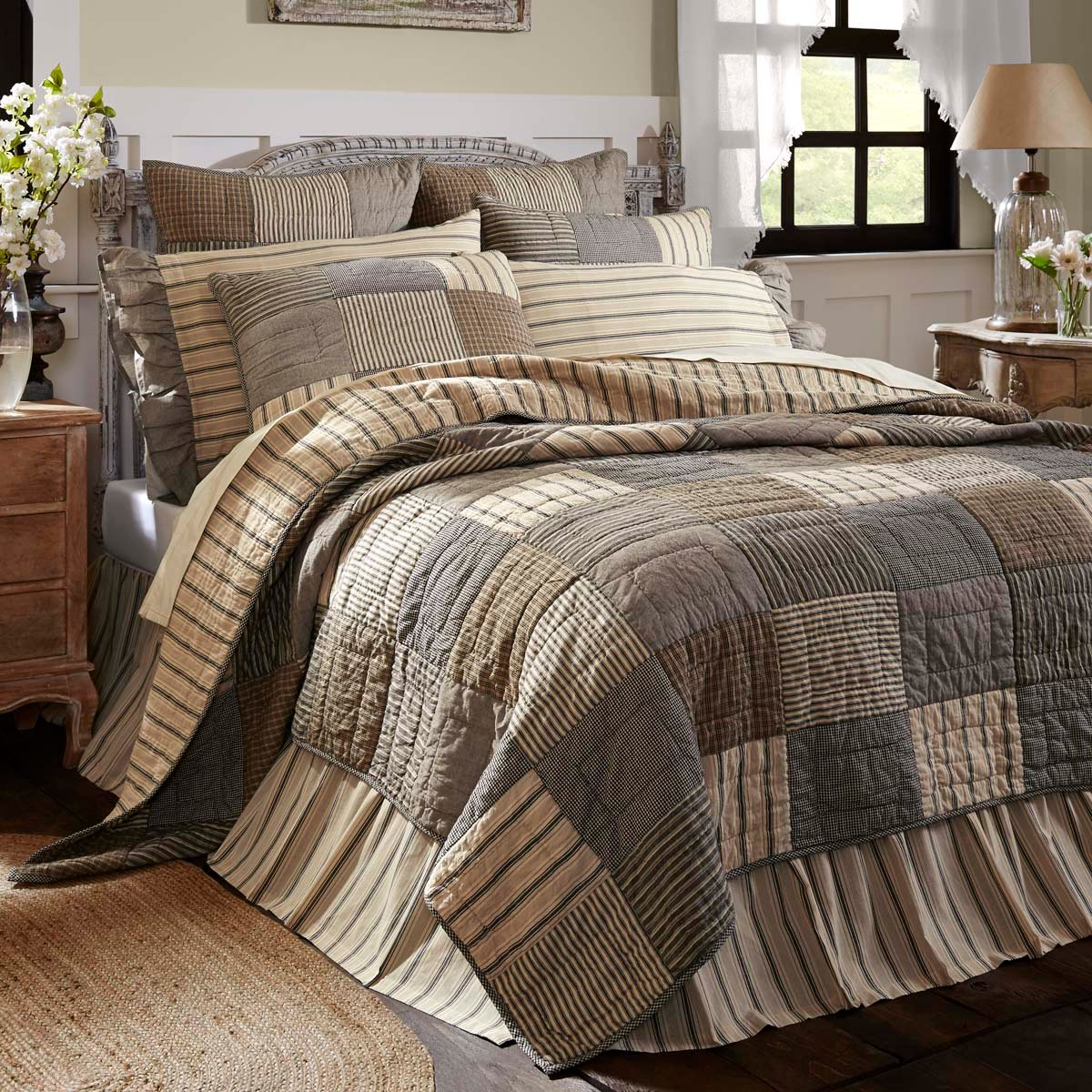 Quilts & Bedding