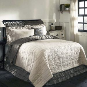 Dreaming Of A Romantic Rustic Bedroom Weve Got You Covered