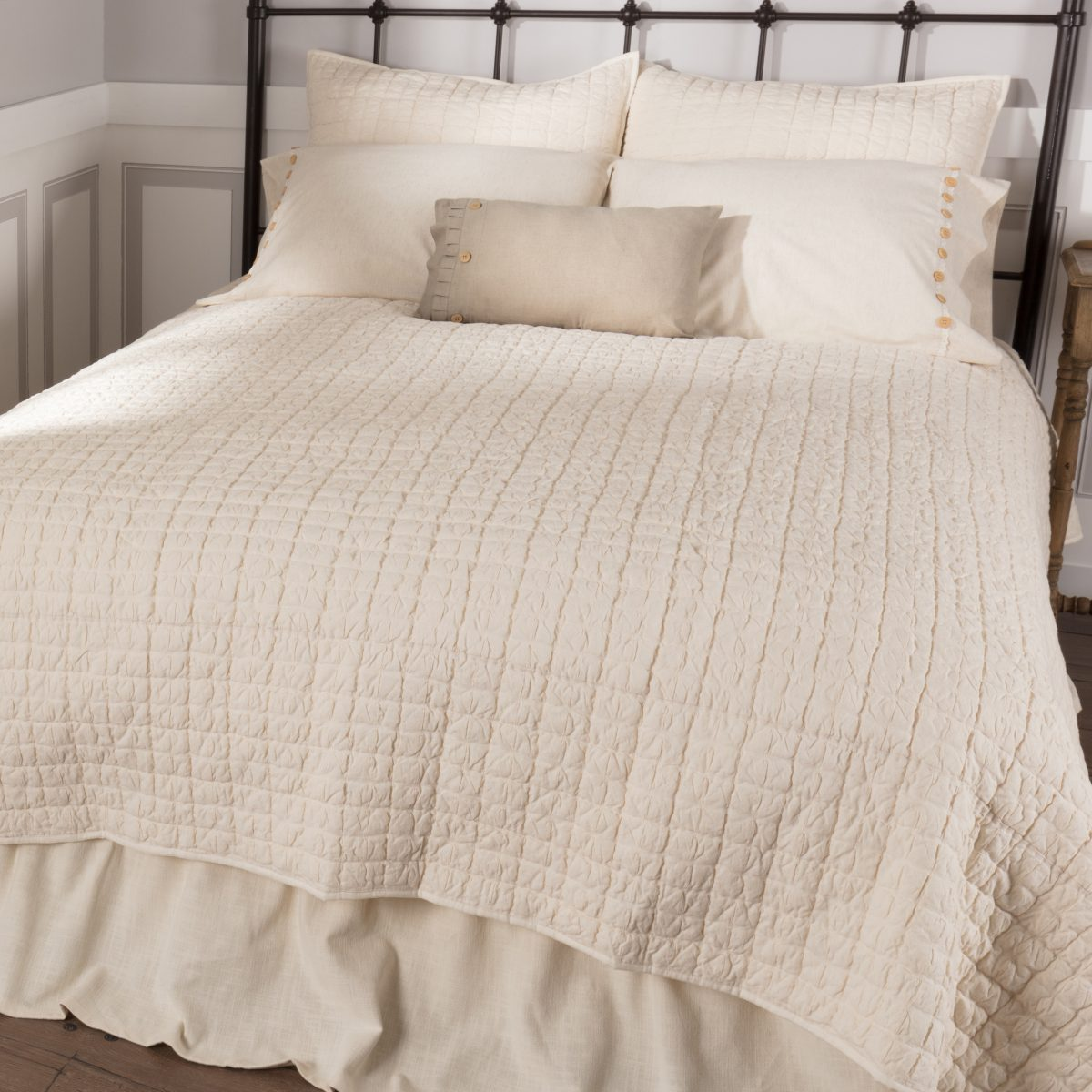 Clara S Cottage Natural Quilt Luxury King Piper Classics