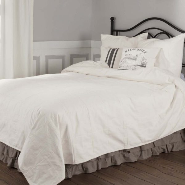 710_JANDB_43884_SiloHillQueenCoverlet_Lifestyle1 copy copy