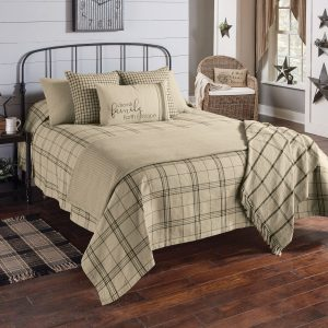country style bedspreads quilts and bed skirts primitive bedding. Black Bedroom Furniture Sets. Home Design Ideas